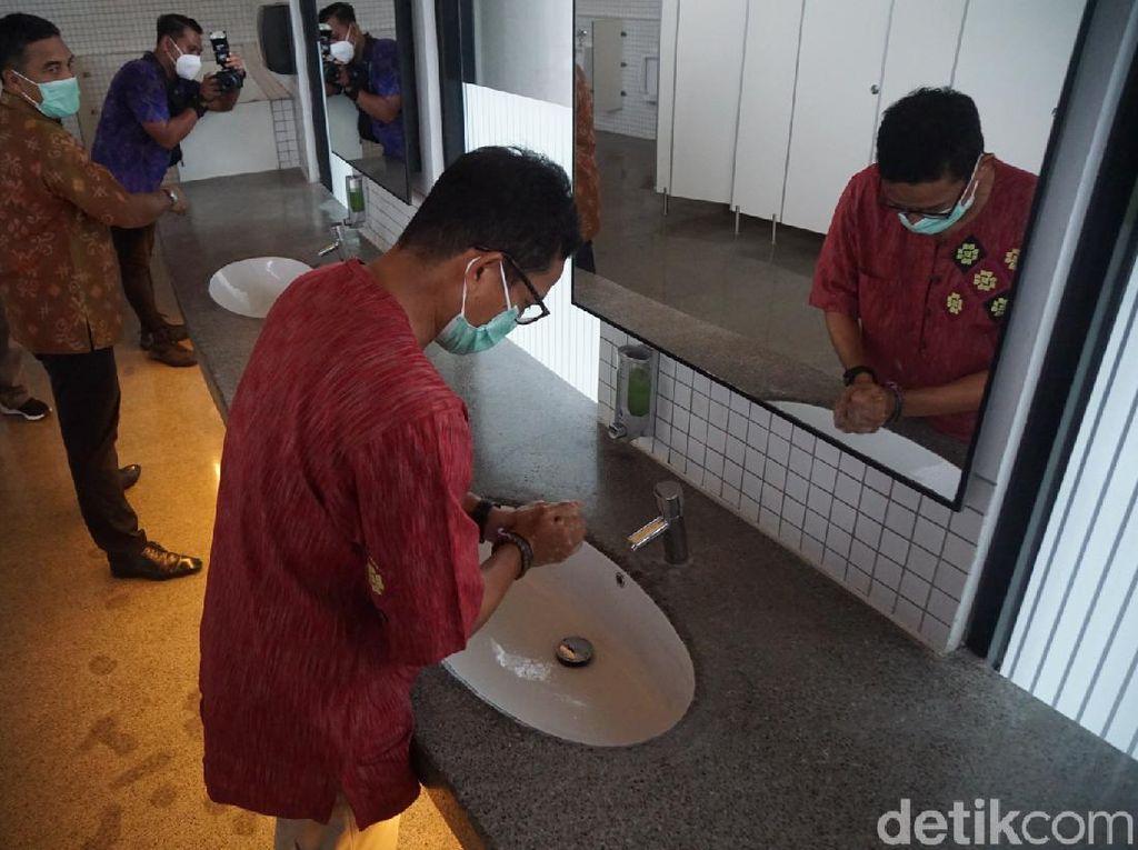 Respons Permintaan Luhut, Sandiaga Pamer Toilet Terbaik Se-Indonesia