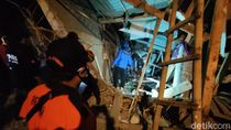 30 Santri Tertimpa-Terjebak Bangunan Ponpes Roboh, 11 Dibawa ke RS