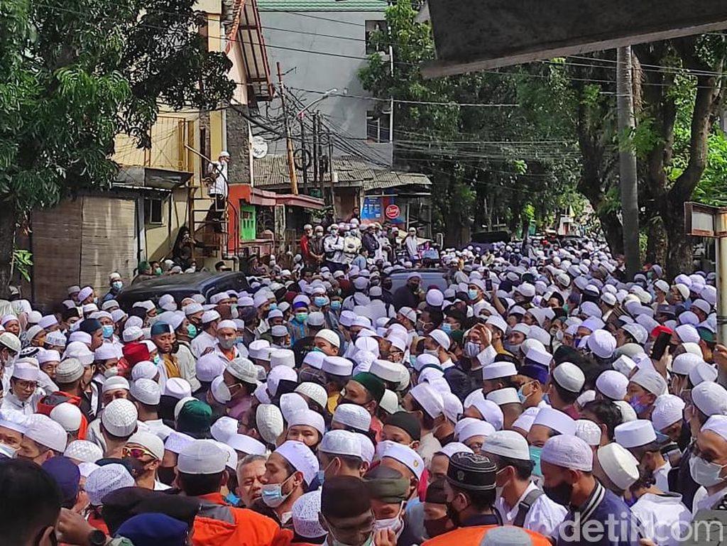 Reaksi Satgas-Wagub DKI soal Kerumunan Pemakaman Habib Ali