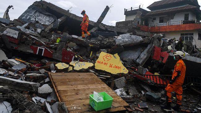 Beda Mensos dan BNPB soal Viral Penjarahan Bantuan Gempa Sulbar