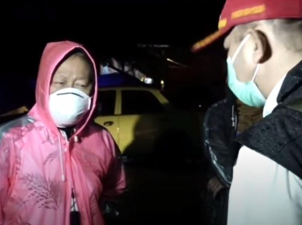Risma ke Lokasi Gempa Sulbar, Salurkan Bantuan Rp 1,7 M