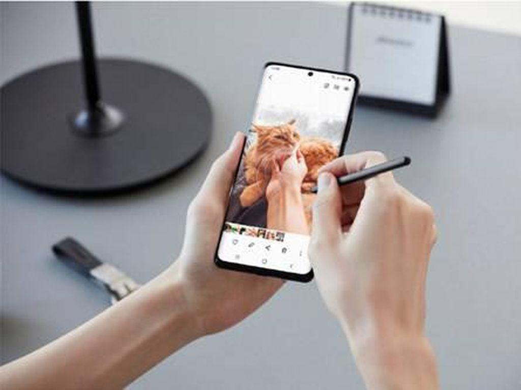 Triplet Galaxy S21 5G Series Beri Gebrakan di Segmen Ponsel Flagship