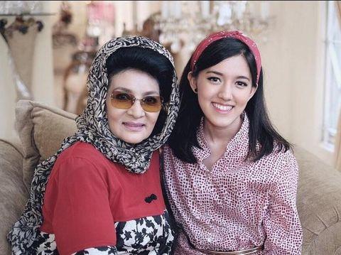 Ify Alyssa and her grandmother Farida Pasha