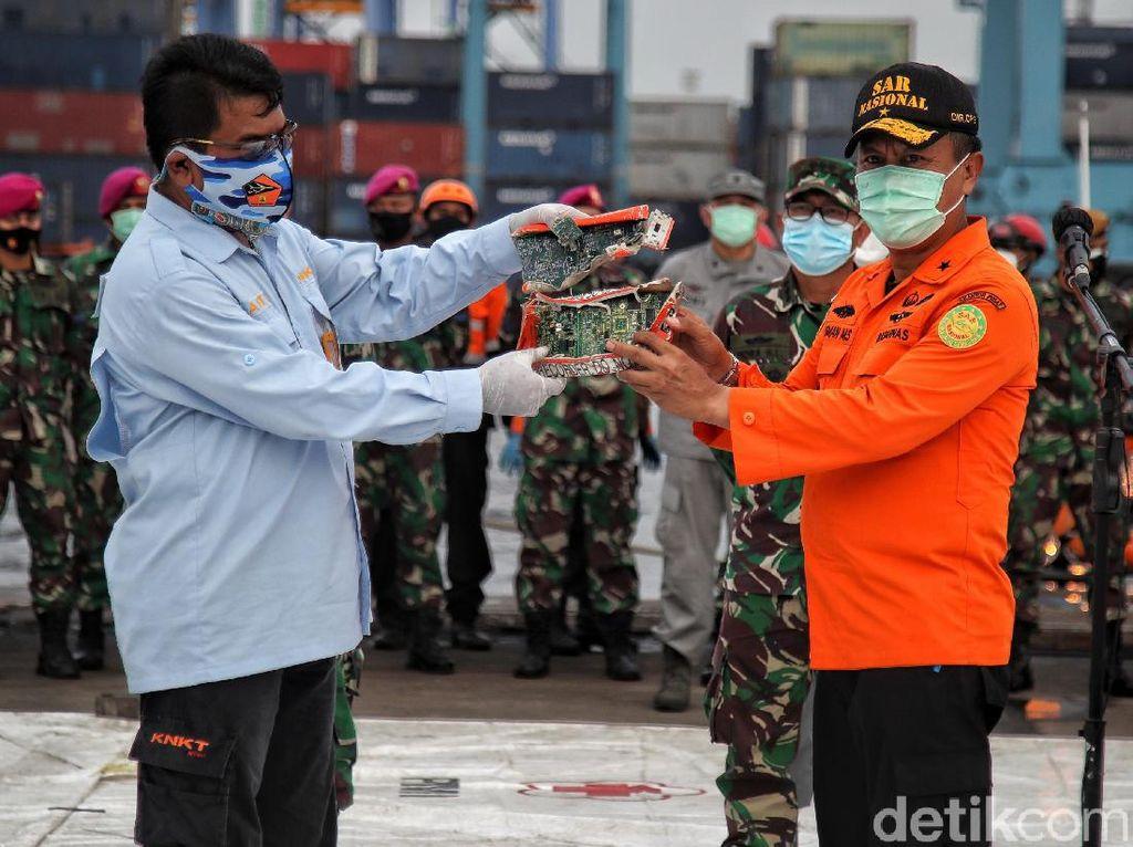 Komponen CVR Sriwijaya Air SJ182 Diserahkan ke KNKT