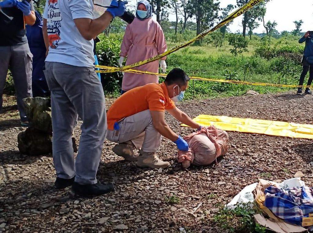 Geger Penemuan Mayat Bocah Perempuan dalam Karung di Subang