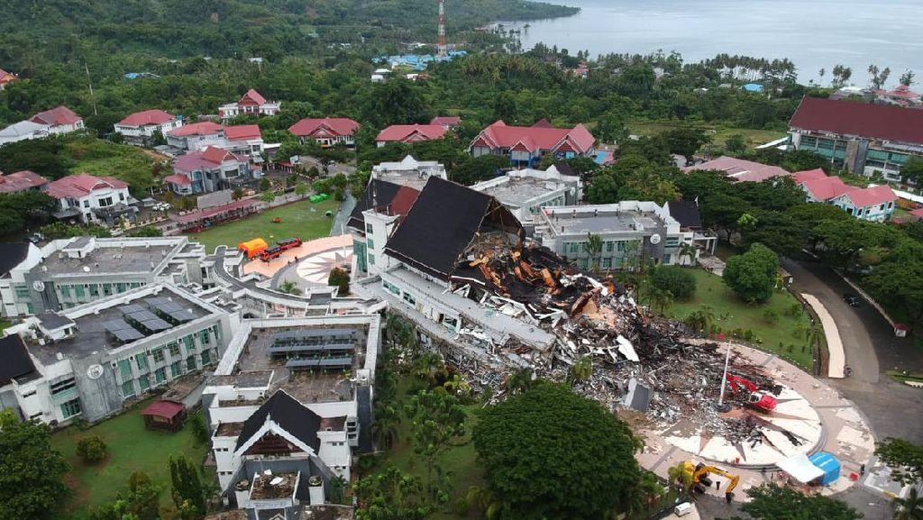 Potret Udara Kerusakan Kantor Gubernur Sulbar Akibat Gempa