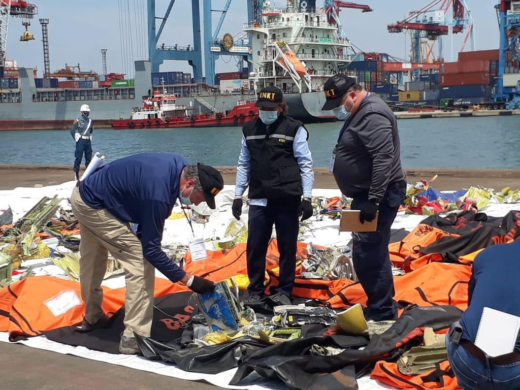 Sambangi JICT II, Investigator Boeing Ikut Investigasi SJ182