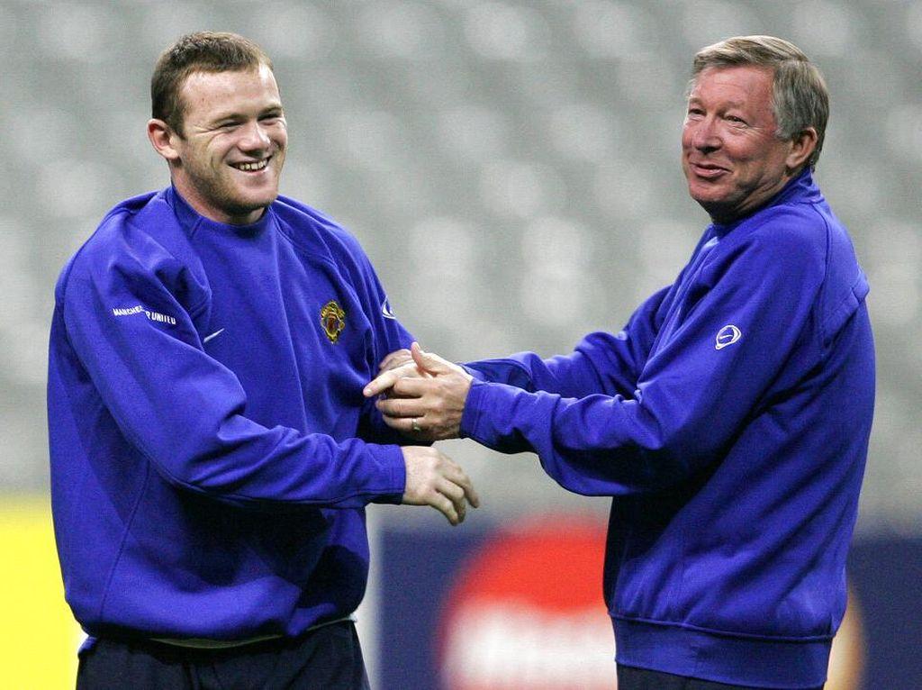 Fergie Peringatkan Rooney: Jadi Manajer Tidak Gampang Lo!
