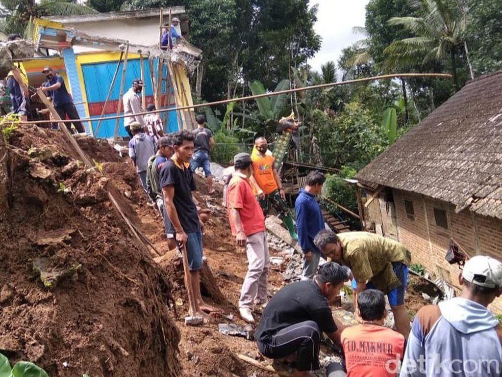 Tujuh Titik Longsor Terjang Kabupaten Trenggalek