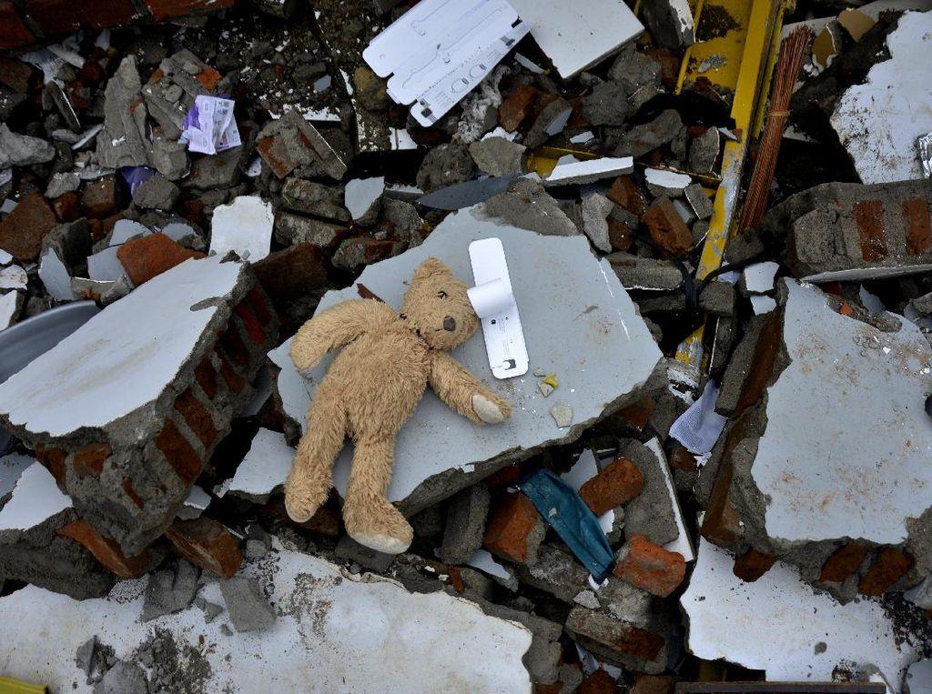 Yang Tersisa Setelah Gempa Mengguncang Mamuju