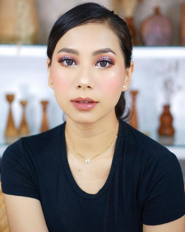 Abel Cantika menawan dengan flawless makeup/instagram.com/abellyc