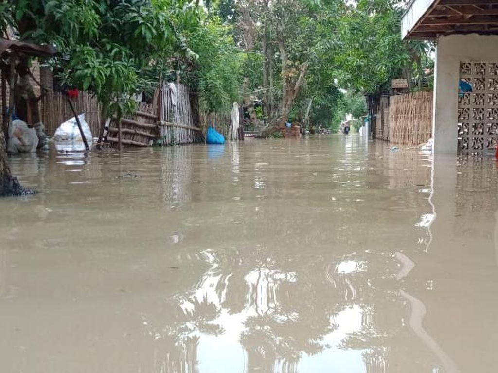 Sungai Meluap, 7 Kecamatan di Cirebon Kebanjiran