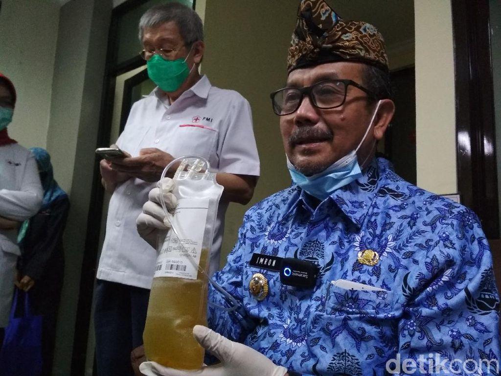 Bupati Cirebon Donor Plasma Darah untuk Pasien COVID-19