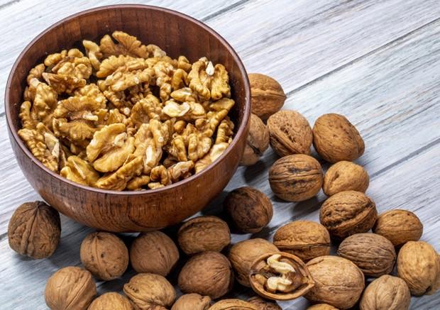Kaya asam lemak, serat omega 3, dan sumber nabati.