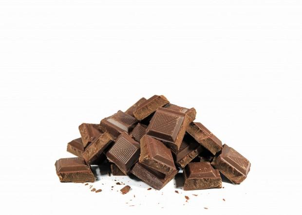 Satu ons dark cokelat mengandung 65 miligram mineral.