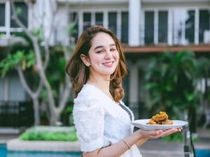 Mewahnya Kulineran Hana Hanifah di Restoran Berkelas