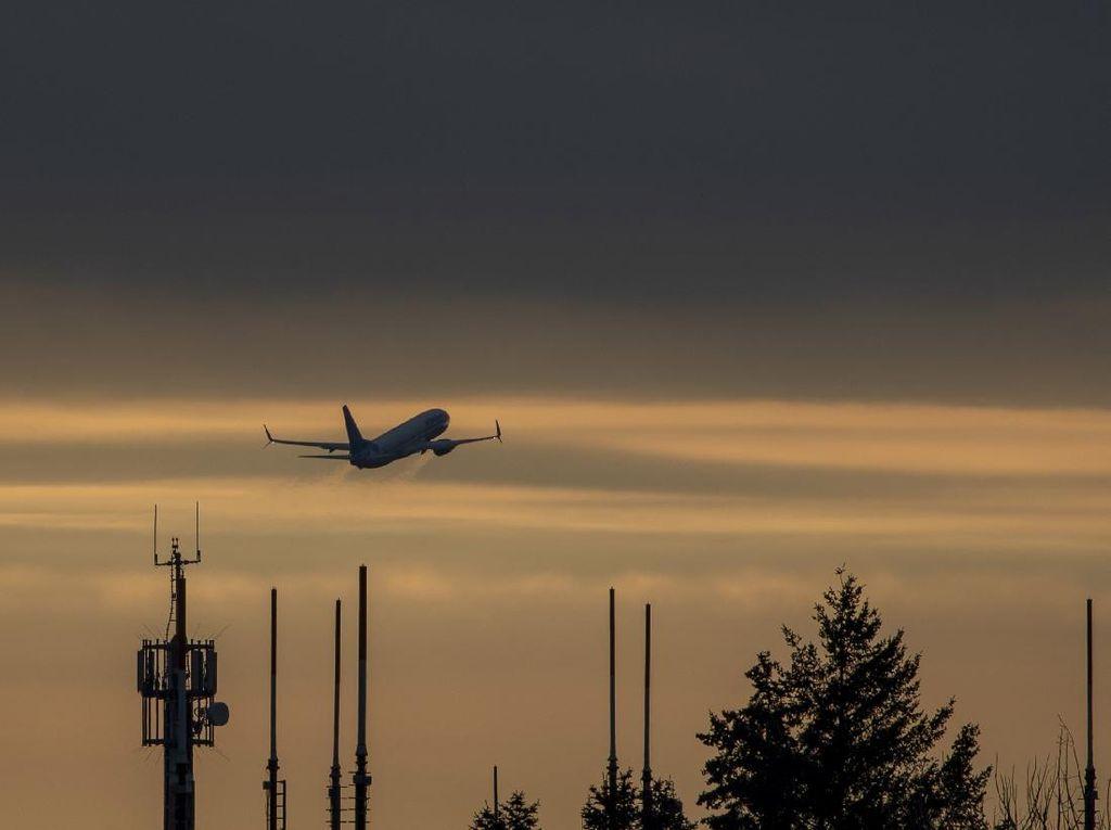 Belanda Selidiki Jatuhnya Puing Mesin Boeing 747 yang Terbakar di Udara