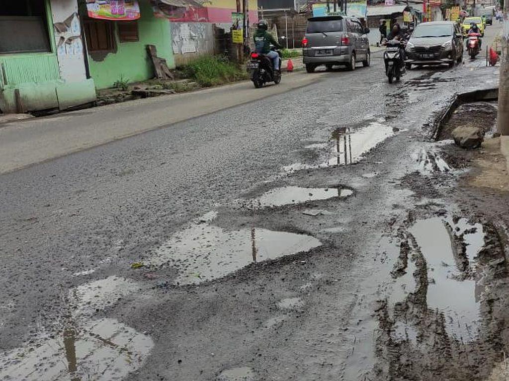 Jl Caman Raya Terakhir Diperbaiki 5 Tahun Lalu, Warga Harap Pemkot Peduli