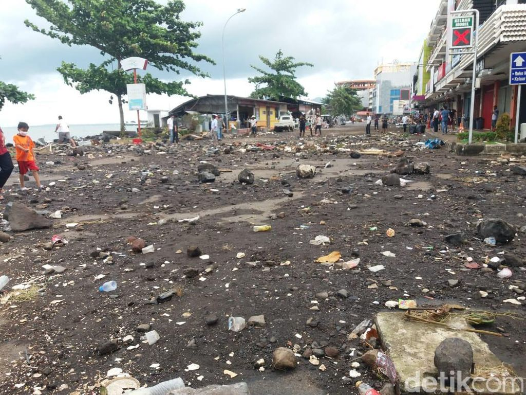 Penampakan Kawasan Mega Mas Manado Pasca Diterjang Banjir Laut Pasang