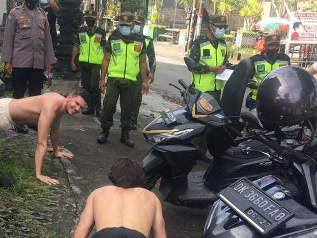 Turis Asing di Bali Susah Banget Jalankan Prokes Anti COVID-19