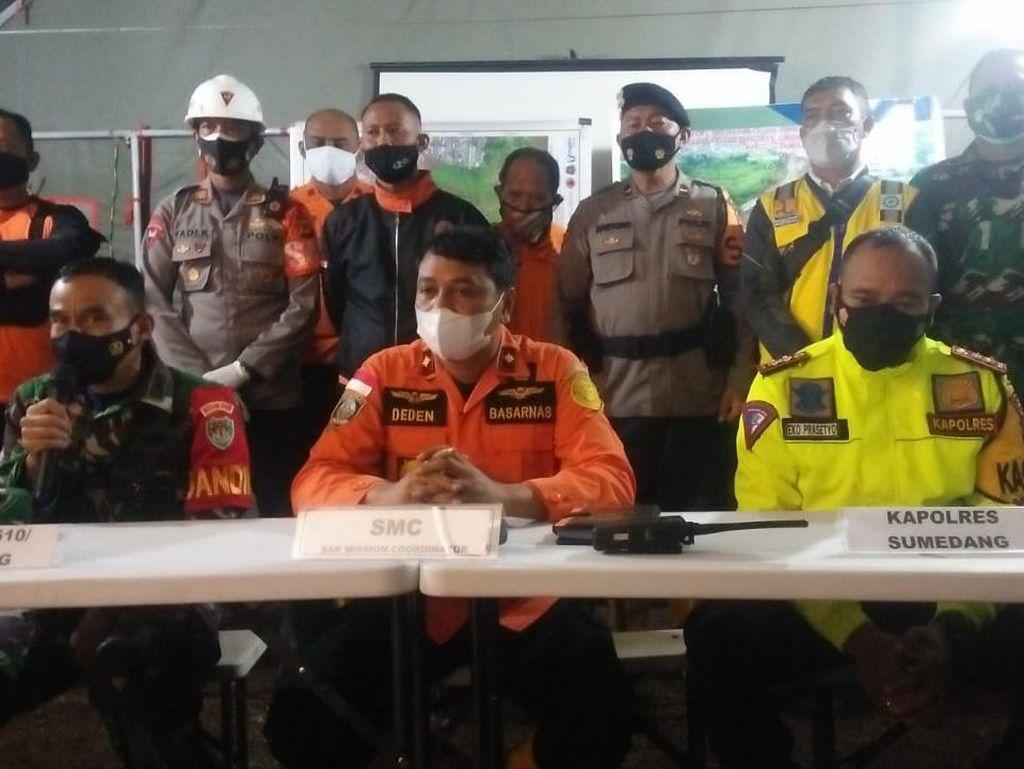 Semua Korban Longsor Cimanggung Sumedang Telah Dievakuasi, Operasi SAR Berakhir