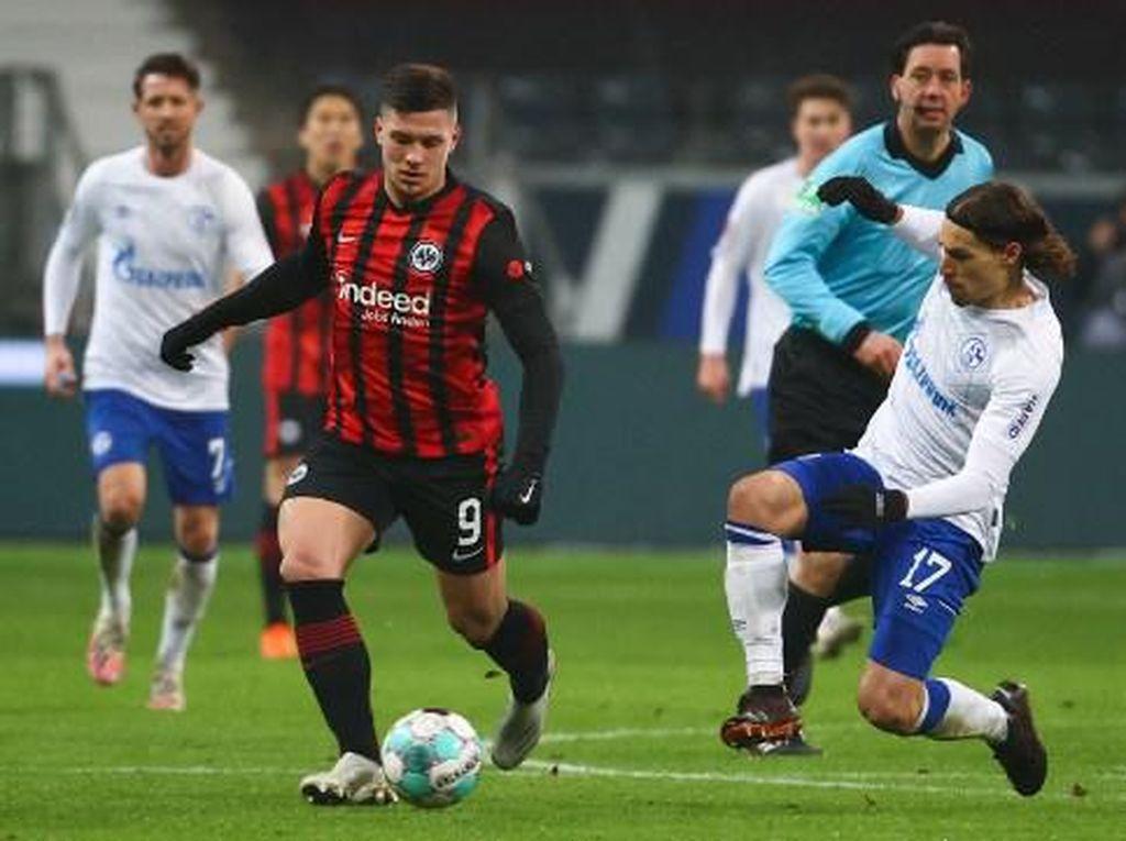 Jovic Langsung Bikin 2 Gol, Eintracht Frankfurt Ledek Real Madrid