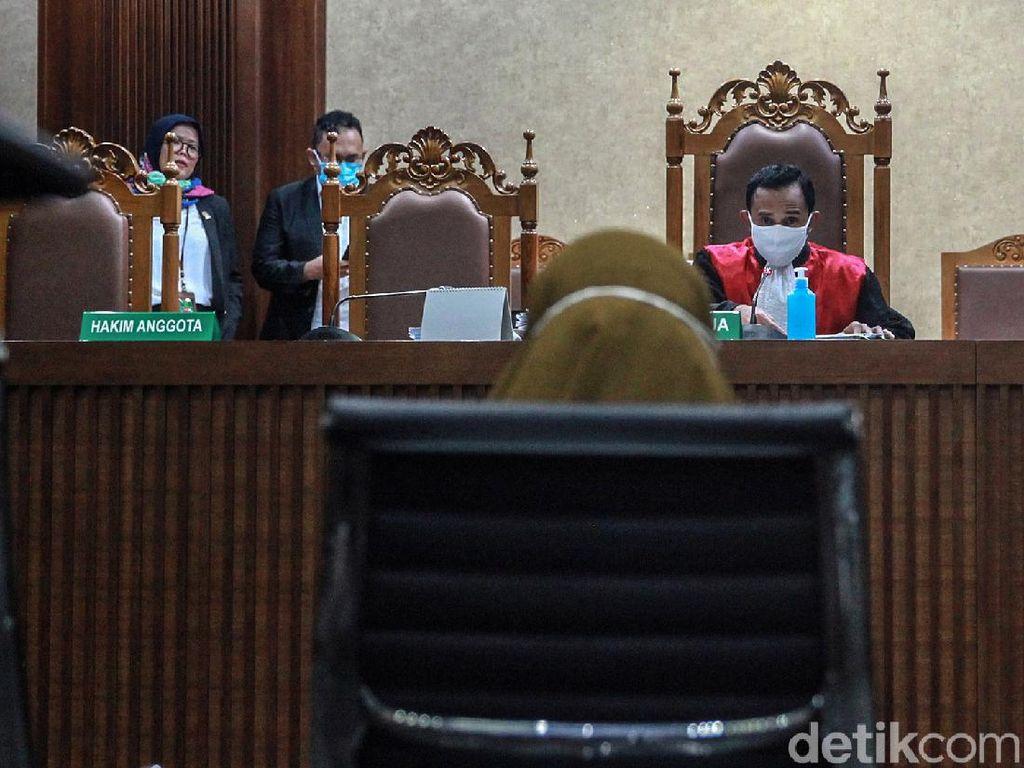 Singgung Grasi Annas Maamun, Hakim Sebut Pinangki Biasa Urus Perkara