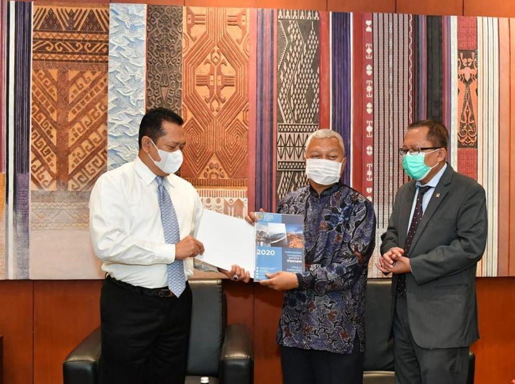 MPR Terima Bantuan 40 Ribu Masker dari Parlemen Vietnam