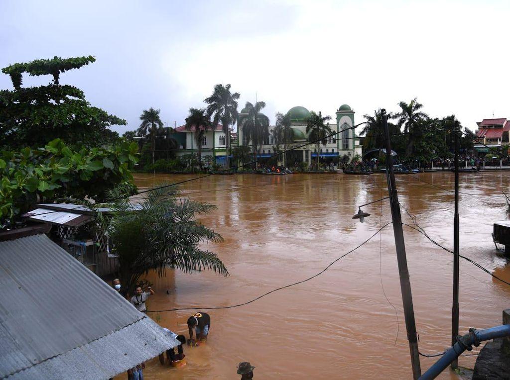 Banjir Kalsel Bikin Sebagian Wilayah Susah Sinyal