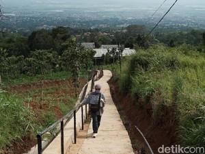 Tangga Seribu, Wisata Hidden Gem yang Memesona di Bandung Timur