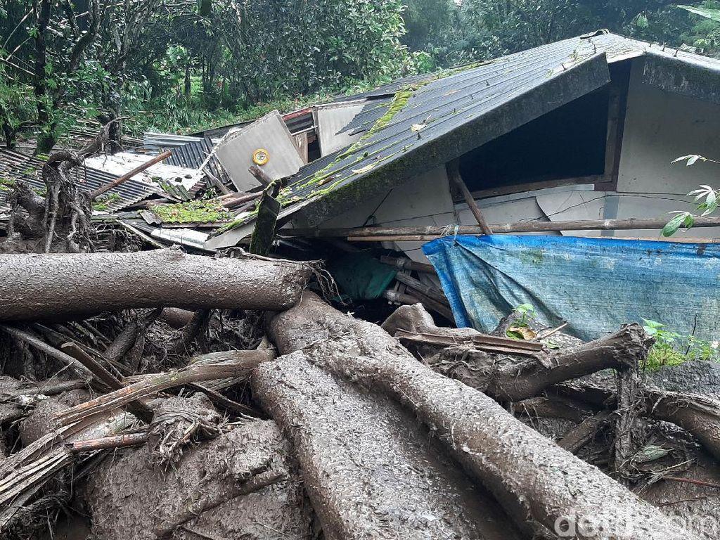 Update Banjir Bandang Puncak: 7 Bangunan Rusak dan 900 Jiwa Mengungsi