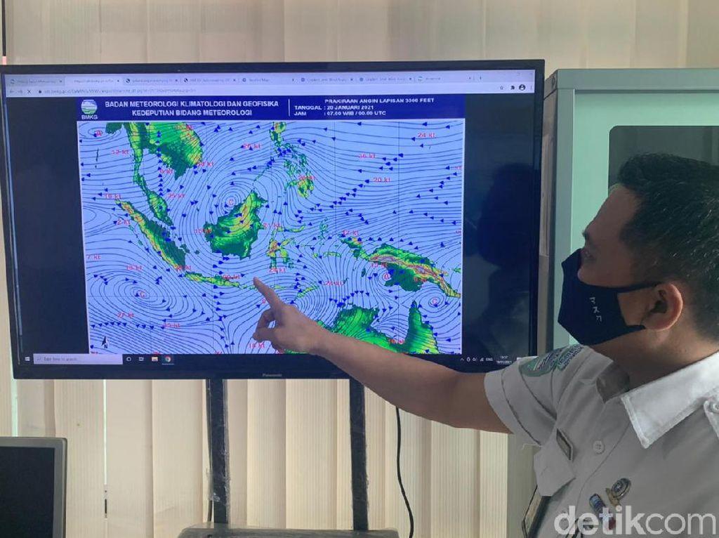 BMKG Tanjung Perak Sebut Waspada Potensi Awan Cumolonimbus Saat Pancaroba