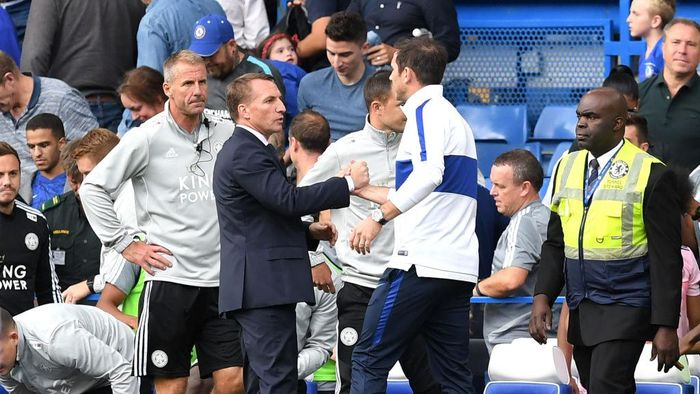 LONDON, ENGLAND - AUGUST 18: Frank Lampard, Manager of Chelsea shakes hands with Brendan Rodgers, Manager of Leicester City during the Premier League match between Chelsea FC and Leicester City at Stamford Bridge on August 18, 2019 in London, United Kingdom. (Photo by Michael Regan/Getty Images)