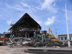 Cerita Sekuriti Kantor Gubernur Sulbar Terjepit Reruntuhan 12 Jam