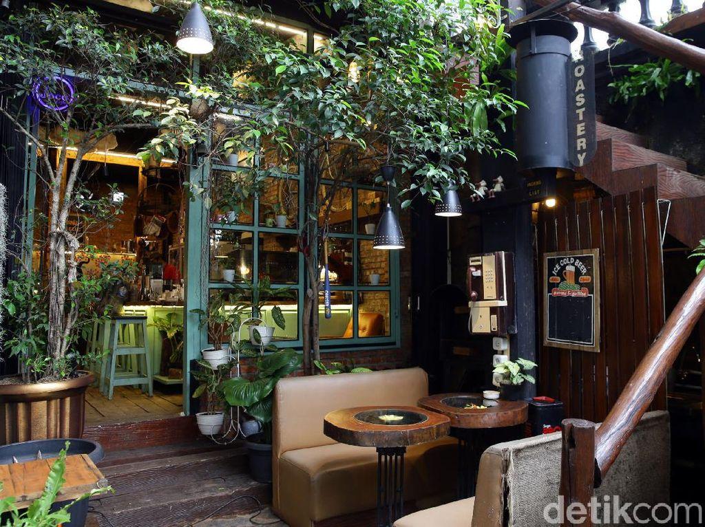 Kafe Klasik nan Asri, Bagai Oase di Tengah Ibu Kota