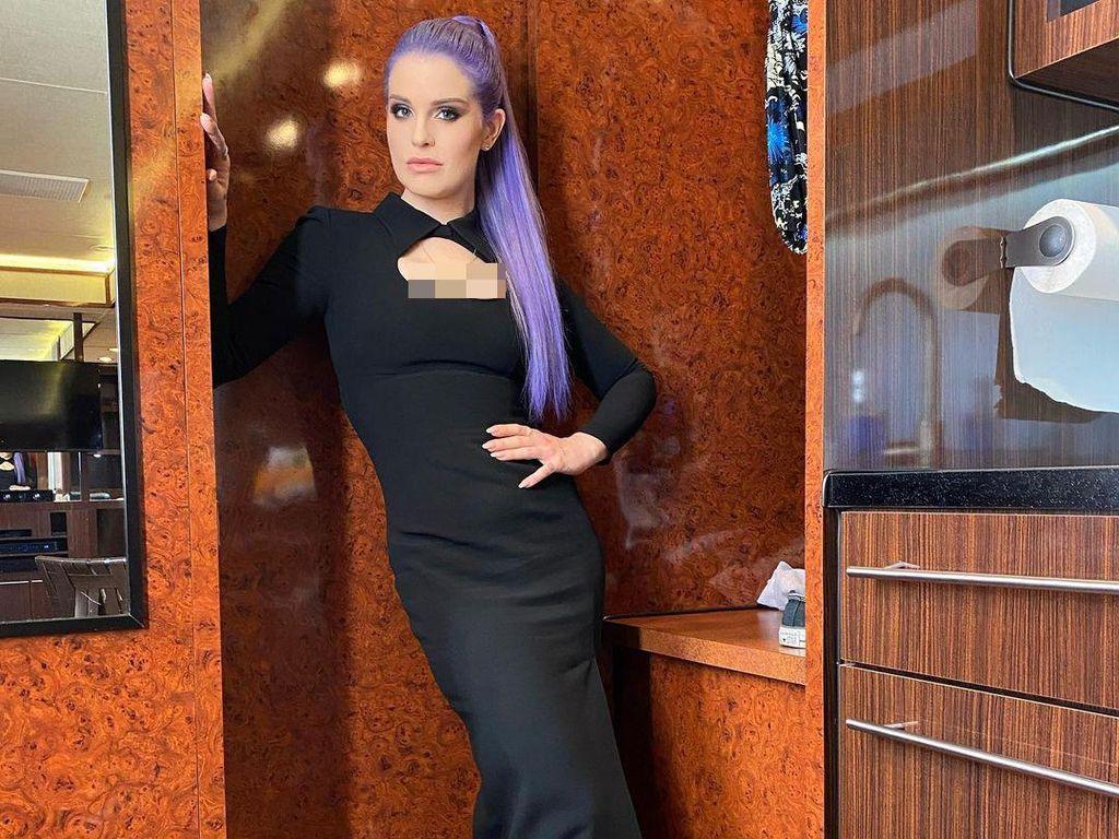 Makin Langsing, 7 Potret Terbaru Kelly Osbourne yang Turun Bobot 38,5 Kg