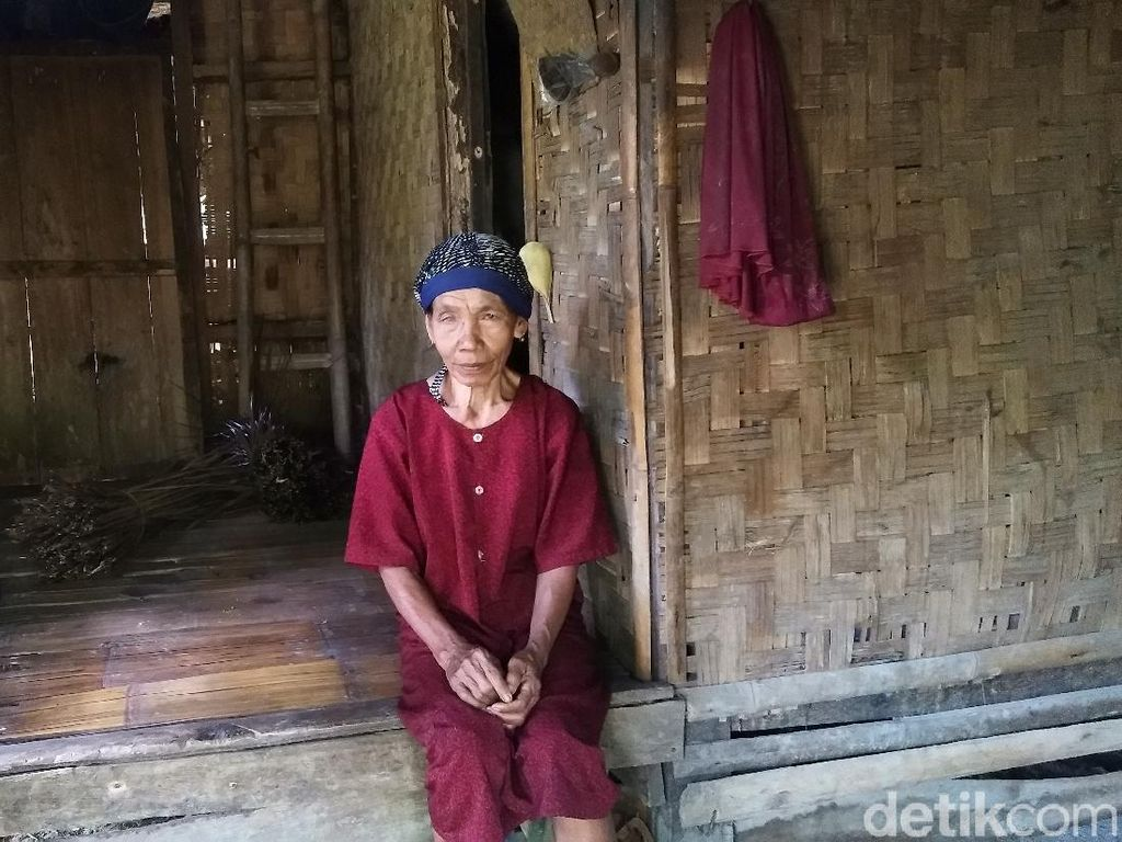 Kisah Nenek Wasti, Puluhan Tahun Hidup di Gubuk Reot di Pelosok Pandeglang