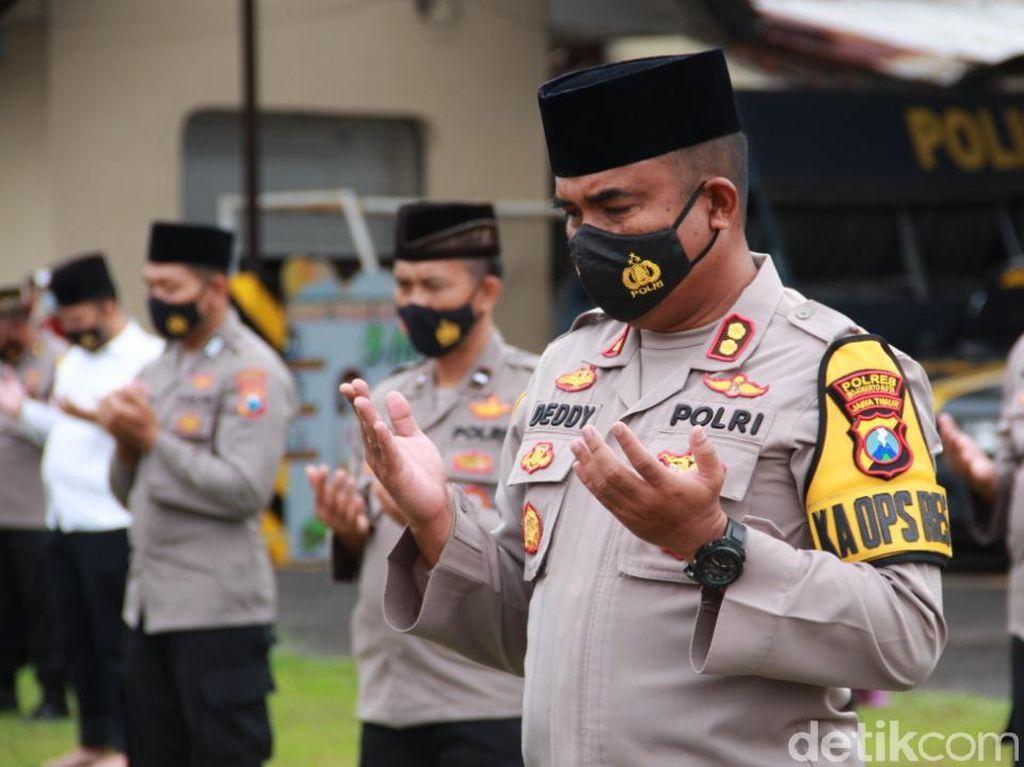 Polisi Kota Mojokerto Kirim Bantuan dan Salat Gaib untuk Korban Bencana