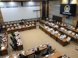 Komisi VIII DPR Rapat Bareng Menag Yaqut Bahas Biaya Ibadah Haji 2021