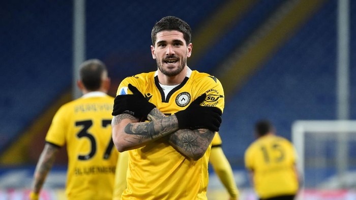 GENOA, ITALY JANUARY 16: Rodrigo De Paul of Udinese Calcio celebrates after score first goal during the Serie A match between UC Sampdoria and Udinese Calcio at Stadio Luigi Ferraris on January 16, 2021 in Genoa, Italy. (Photo by Paolo Rattini/Getty Images)