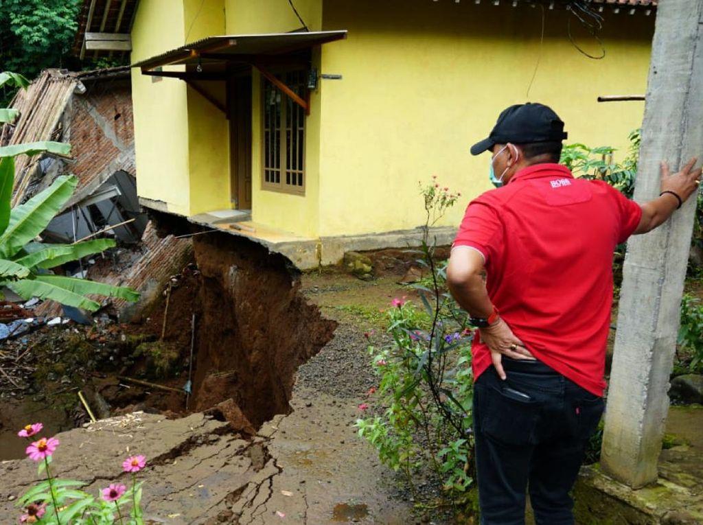 Rumah Rusak-Ambruk Akibat Tanah Gerak di Purworejo Terus Bertambah