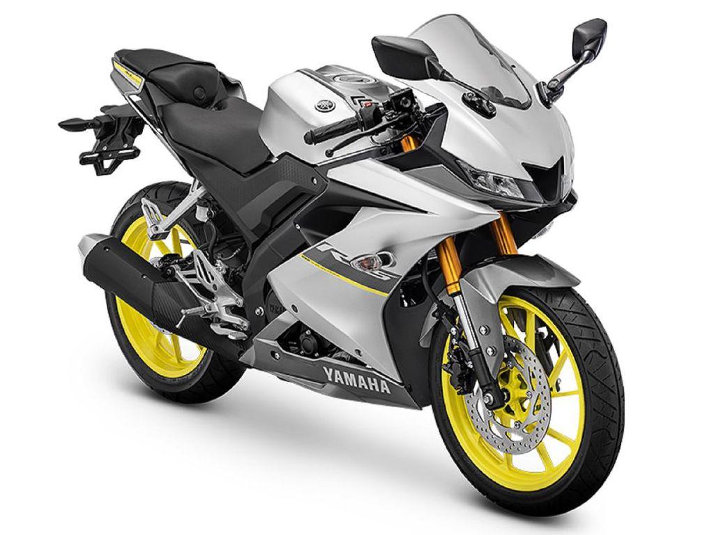 Ogah Ketinggalan CBR150R, Yamaha R15 Punya Warna Baru