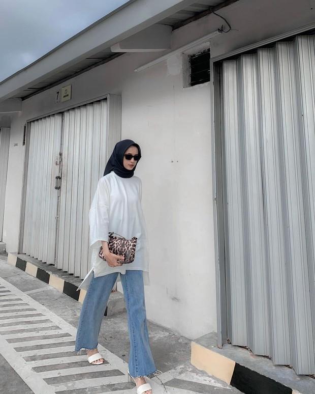 blouse oversized untuk tampilan lebih longgar/instagram.com/wulanshintaaa_