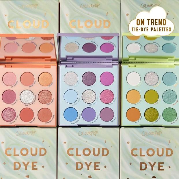 Set Cloud Dye dari ColurPop yang terinspirasi dari tren tie-dye ini menghadirkan tiga palet dalam koleksinya.