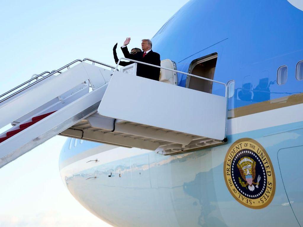 Trump Tonton Proses Pelantikan Biden dalam Penerbangan ke Florida