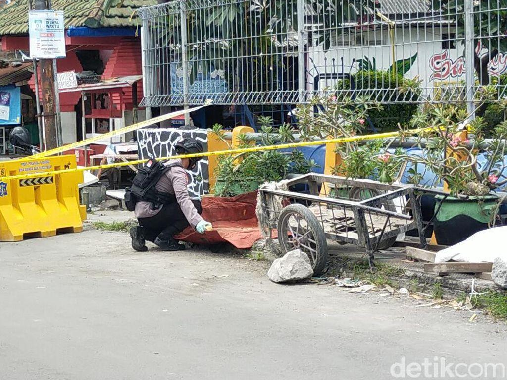 Granat Nanas dan 3 Butir Peluru Ditemukan di Sungai Surabaya