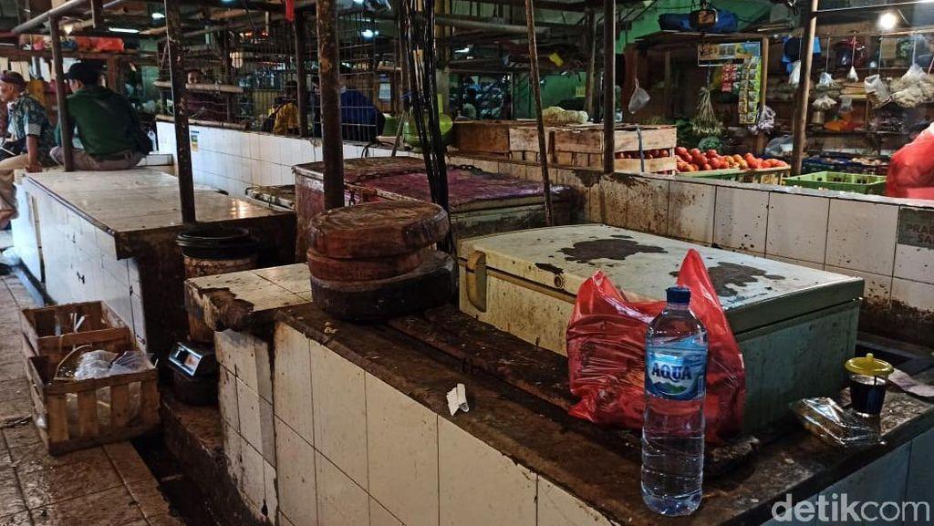 Lowongnya Lapak Pedagang Daging Sapi di Pasar yang Mogok Jualan