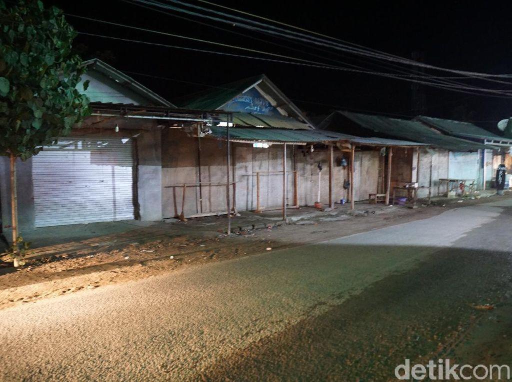 Mandalika Lombok di Kala Malam, Hanya Ada Anjing Liar Berkeliaran