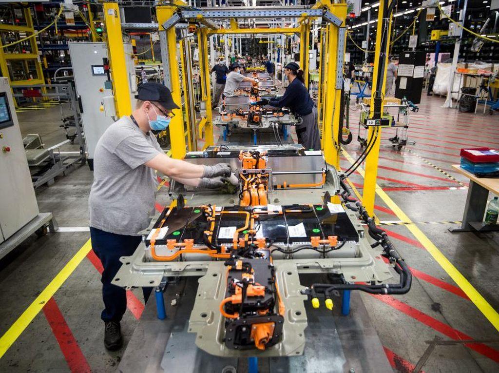 Perusahaan Baterai Kendaraan Listrik RI Butuh Investasi Rp 238 T!