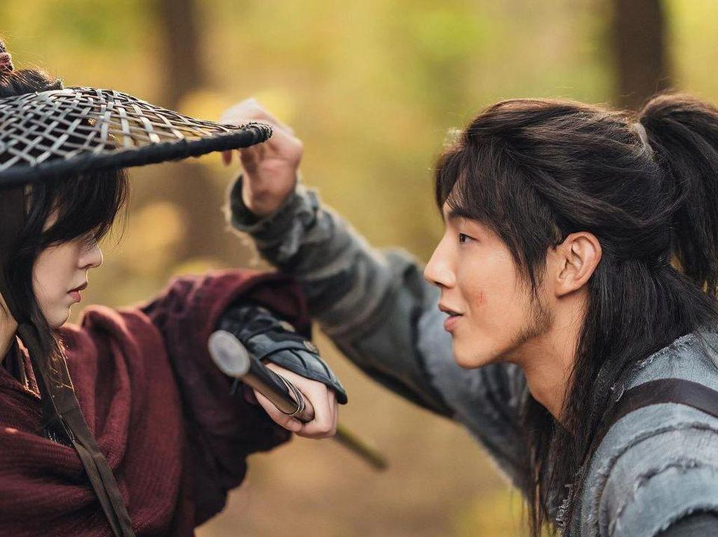 5 Foto Terbaru Ji Soo Buat Drama Korea River Where the Moon Rises